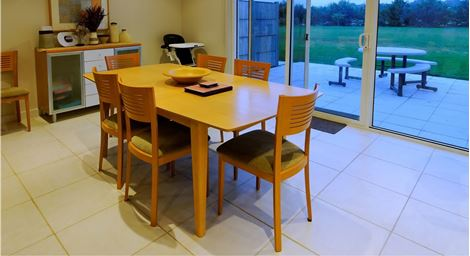 Picture of Simon Dining Set